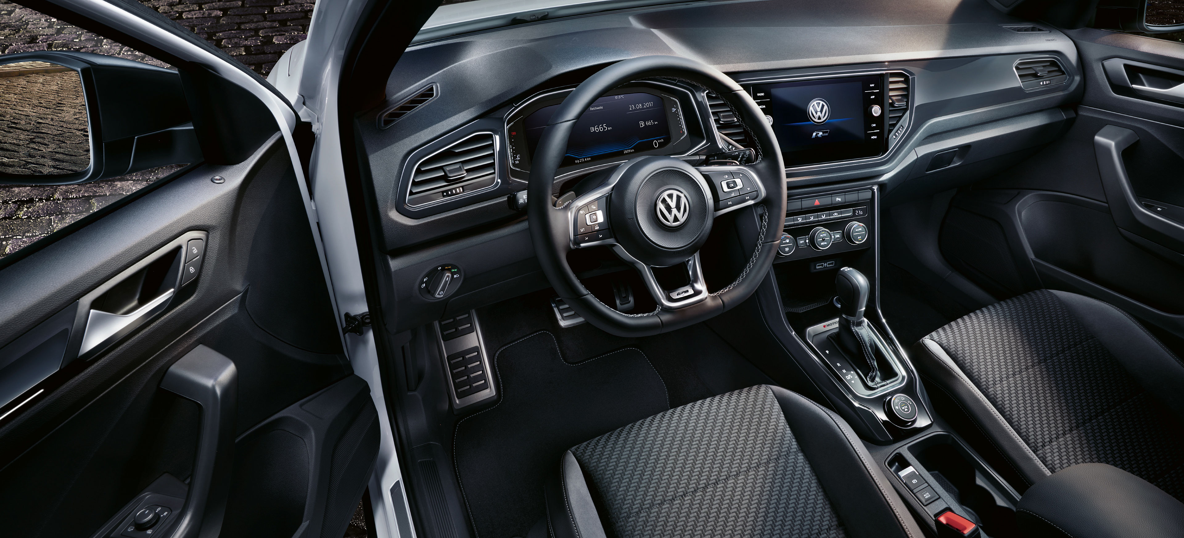 Vw t roc r line leasing angebote ohne anzahlung g nstige for Interieur t roc